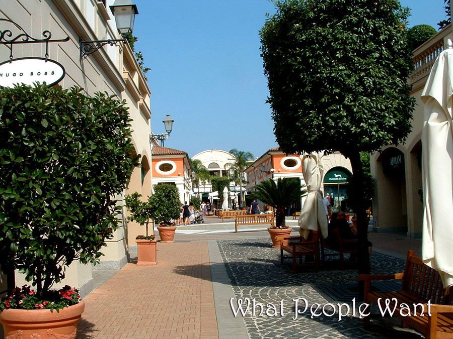 Gucci: new opening at La Reggia Designer Outlet - What People Want