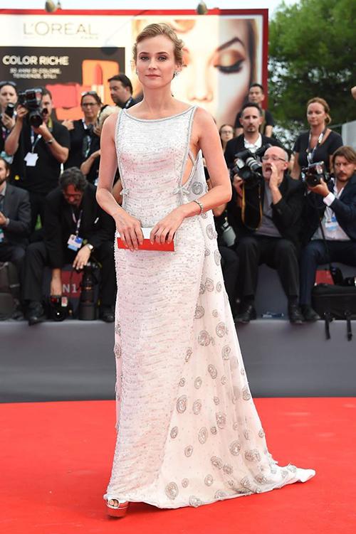 Diane-Kruger-in-Prada
